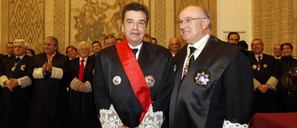 El Presidente del Consejo Andaluz de Colegios de Abogados Excmo. Sr. Don José Rebollo Puig recibe la Gran Cruz al Mérito en el Servicio de la Abogacía