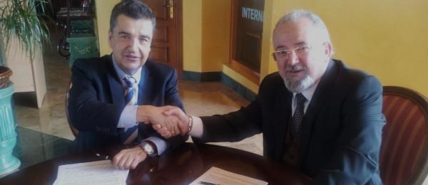 Firma Convenio entre el Consejo Andaluz e ISC para la cesión gratuita de una herramienta que posibilita a los letrados el cumplimiento de la Ley LPBC.