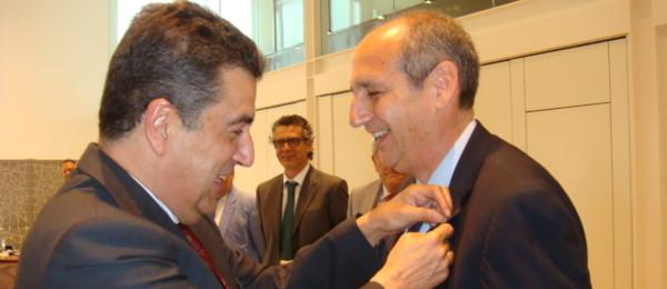 El Consejo Andaluz de Colegios de Abogados concede la Insignia de Oro a los Excmos. Sres. D. Manuel Camas Jimena y D. Nielson Sánchez Stewart.